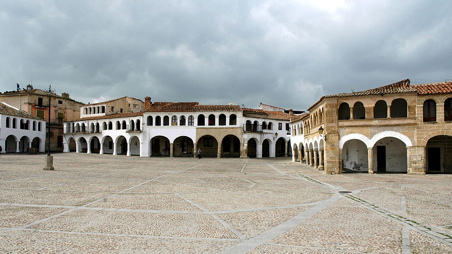 spanjemijnland   Plaza Constitución - Garrovillas de Alconétar